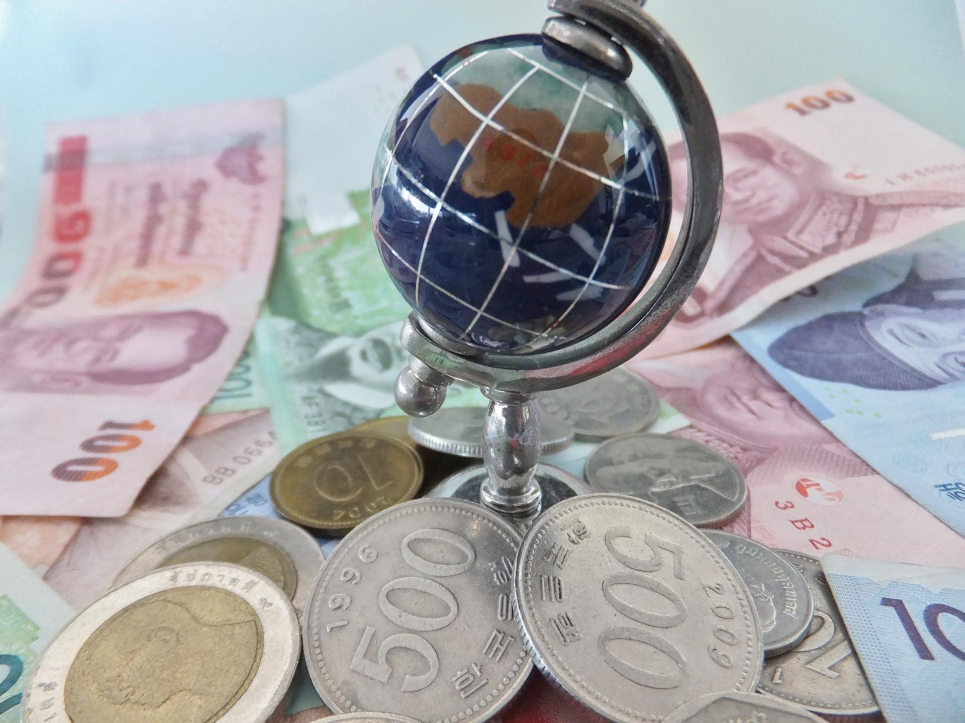 様々な国の通貨