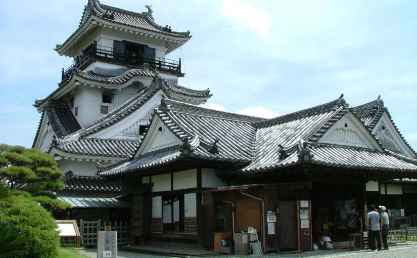 高知城と本丸御殿